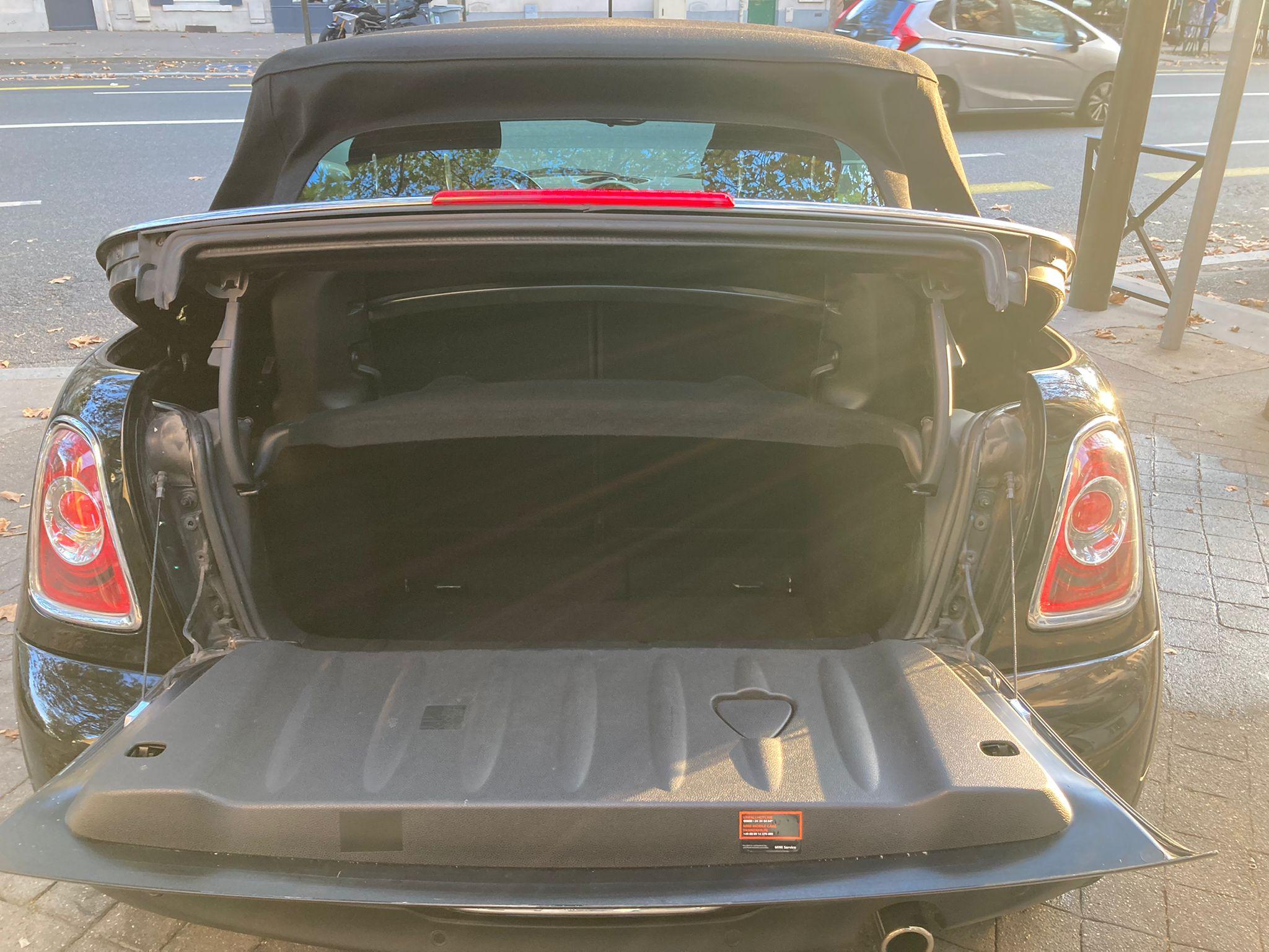Mini II Cabrio (R57) cabriolet