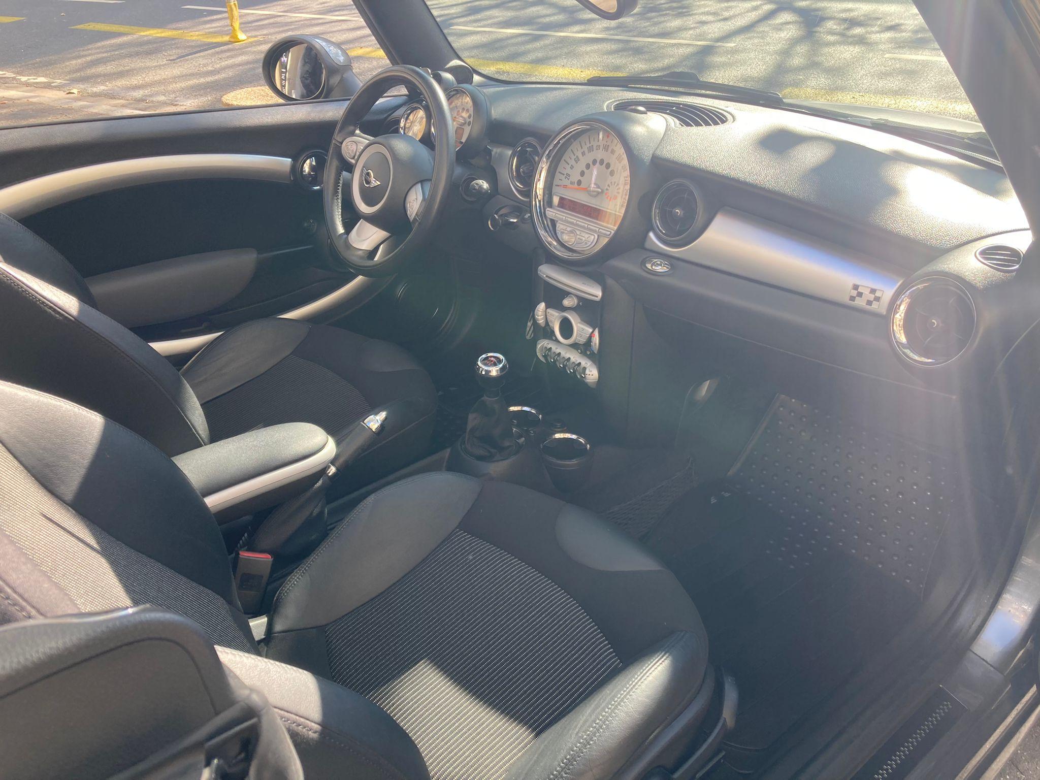 Mini II Cabrio (R57) John Cooper Works 211CHV